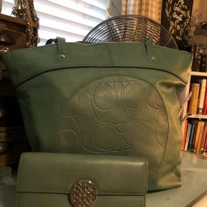 🌷Buttery soft Green Coach Leather Set